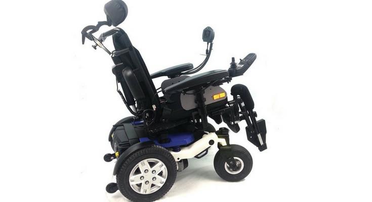 carrozzina elettrica per disabili